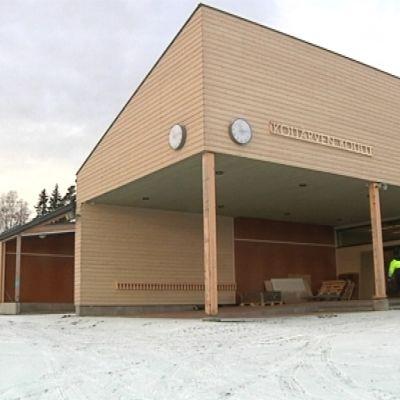 Kuva koulusta ulkoa
