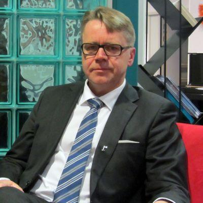 Kuvassa kansanedustaja Peter Östman.