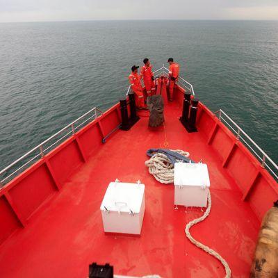 Indonesian meripelastusviranomaiset etsivät kadonnutta Malaysia Airlinesin konetta Andamaanien merellä.