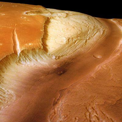 Euroopan avaruusjärjestö ESA:n avaruusluotain Mars Expressin välittämää kuvaa Marsin pinnasta.