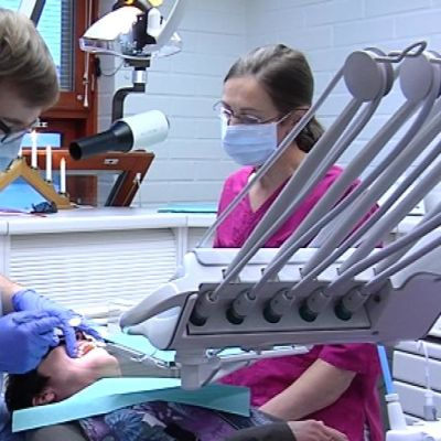 hammaslääkäri, hammashoitaja, potilas, suu