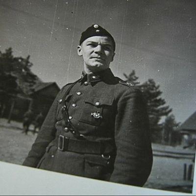 Mannerheim-ristin ritari Paavo Kahla.