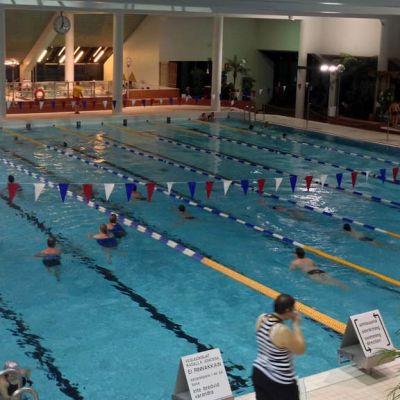Kuvassa uimahalli