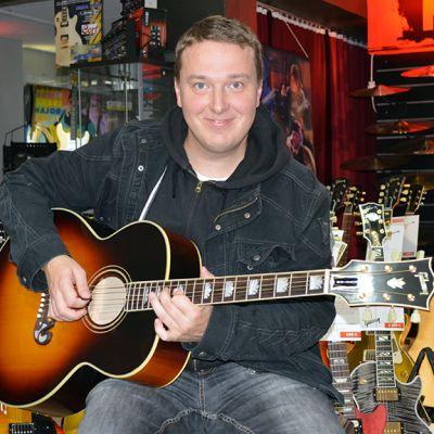 Kitarat; Gibson; kitaraliike; kitaroita; soittimia