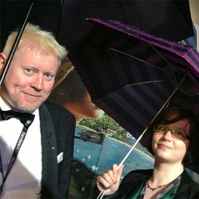 KAOn Marko Karvonen ja Katri Kuvaja menossa katsomaan avajaiselokuvaa The Great Gatzby.