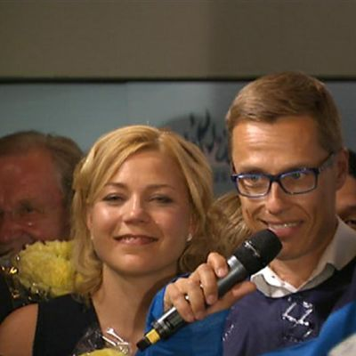 Alexander Stubb Kokoomuksen eurovaalivalvojaisissa.
