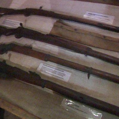 vuoden 1918 aseita Hauhon esinemuseolla