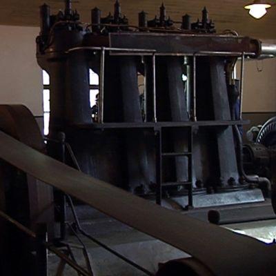 vanha laivadieselmooottori