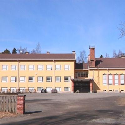 Enäjärven koulu Porissa.