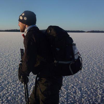Rauli Rautavuori retkiluisteli viikonloppuna Helsingistä itärajalle Virolahdelle