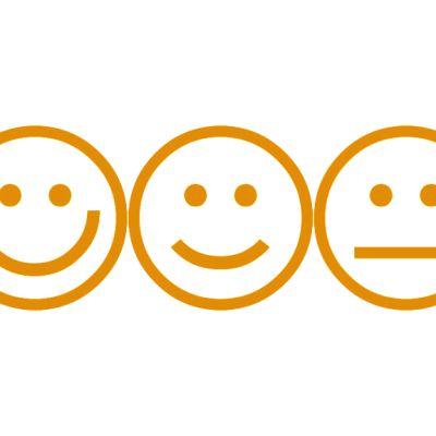 Oivan arviointiasteikon neljä hymynaamaa.