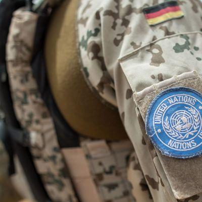 Saksalainen sotilas YK.n rauhanturvajoukoissa.