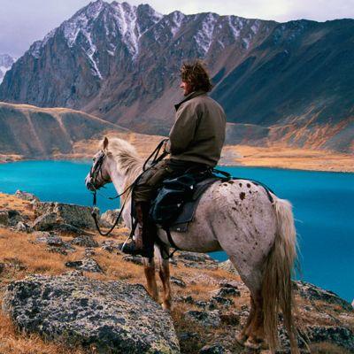 Tim Cope ratsasti läpi Aasian, vaikkei ollut ennen matkaansa koskaan harratsanut ratsastamista.
