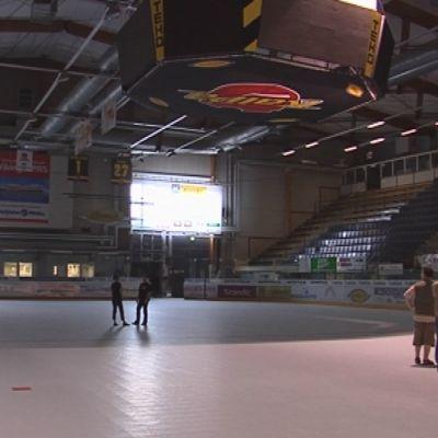 Kuopion jäähalli.