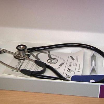 Lääkärin stetoskooppi.