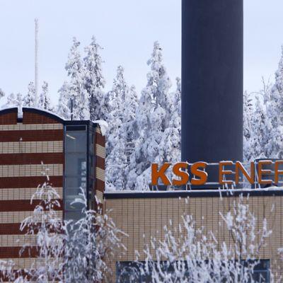KSS Energian maakaasuvoimalaitos talvisessa maisemassa