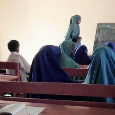 Koululuokka Somalian Mogadishussa.