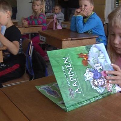 Emma Mälkiä, ekaluokkalainen Posion yhtenäiskoulu