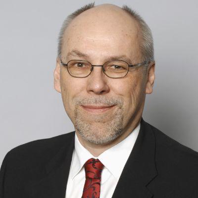 Kansanedustaja Erkki Virtanen.
