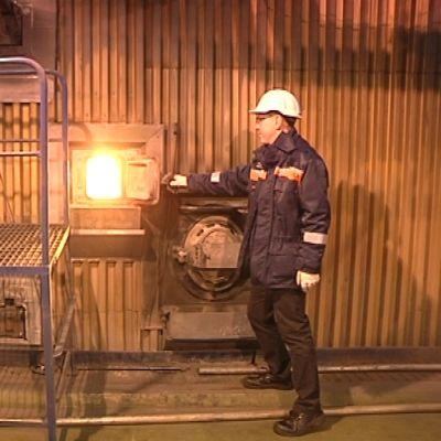 Hanasaaren voimalaitoksessa suurin osa energiasta tuotetaan polttamalla kivihiiltä. Ensi vuonna kivihiilen joukossa poltetaan jatkuvasti myös pellettejä.
