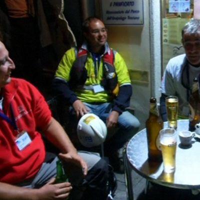 Costa Concordian nostoon osallistuneet juhlivat.