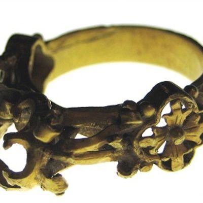 Espoosta löytynyt keskiaikainen sormus.