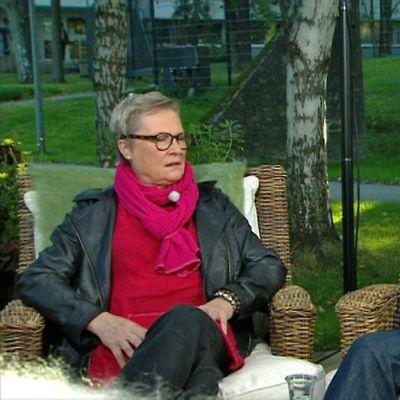 Näyttelijä Tiina Weckström ja ohjaaja Mika Myllyaho Aamu-tv:n vieraina.