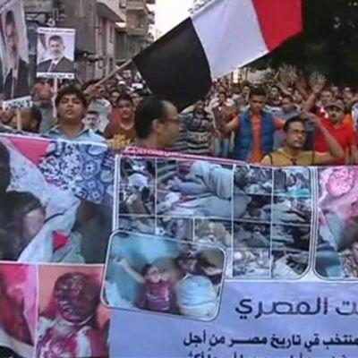 Mielenosoittajia Kairossa.