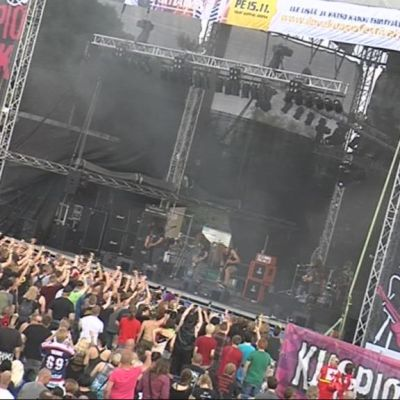 Kuopio Rock Cock -festivaalin avasi Mokoma-yhtye.