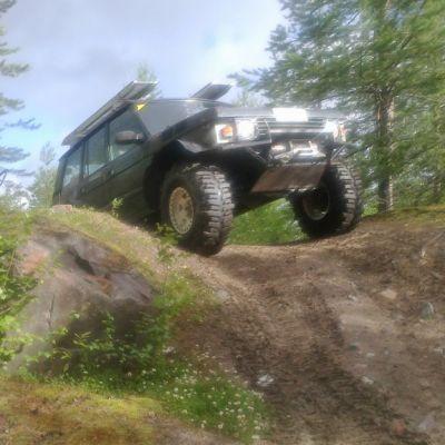 Lapland Trophy -maastoautovaellus järjestetään Kemijärven Raajärvellä jo yhdeksännen kerran. Raajärven seudulta löytyy harrastukselle monimuotoisia ja haastavia reittejä.
