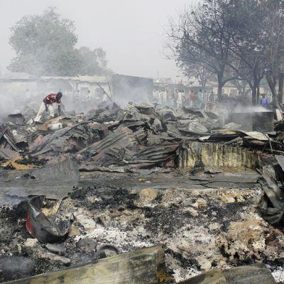 Muun muassa Gamborun markkinapaikka Pohjois-Nigerian Maidugurissa tuhoutui täysin Boko Haramin iskun jäljiltä 7. helmikuuta 2012.