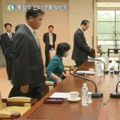 Etelä- ja Pohjois-Korean edustajat kokoustavat Panmunjomin kylässä tänään 9. kesäkuuta 2013.