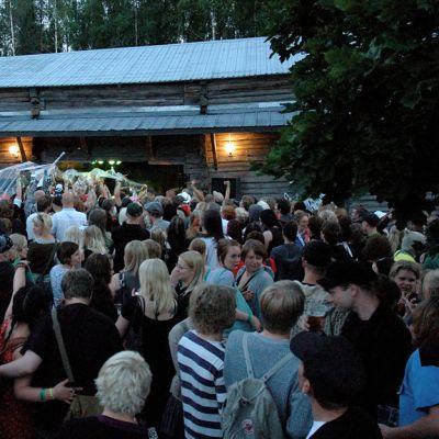 Naamat -festivaalin yleisöä