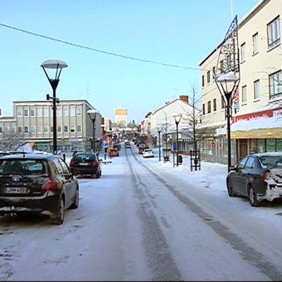 Varkauden Kauppakatu talvella 2012.