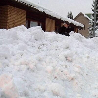 Lumitöitä Onninkadulla
