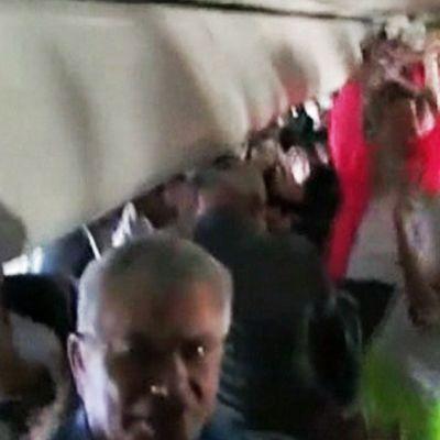 Coloradon yliopiston liitokiekkojoukkue nauhoitti tanssin kanssamatkustajien kanssa Frontier Airlinesin lennolla Colorado Springsistä Kalifornian San Diegoon.