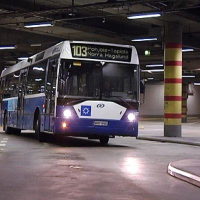 Espoon bussiterminaali Kampissa