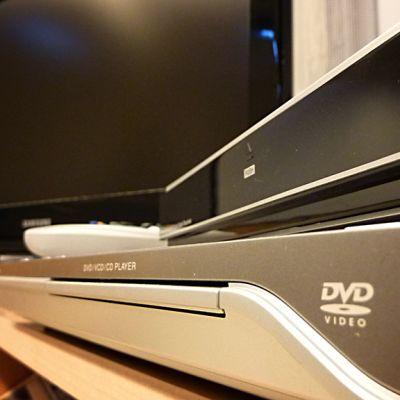 Tv ja dvd-soitin.