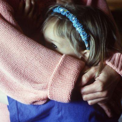 Lapsi äidin halauksessa