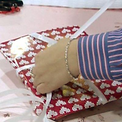 Lahjaa paketoidaan