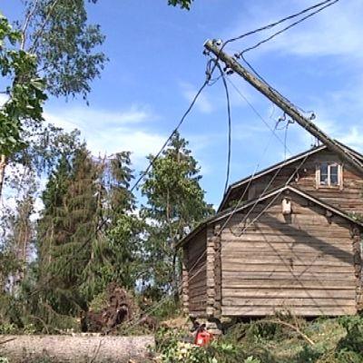 Sähköt olivat poikki useilla maatiloilla