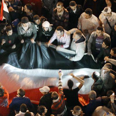 Mielenosoittajia Tahririn aukiolla Egyptissä.
