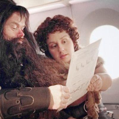 Hobitteja Air New Zelandin turvallisuusohjevideossa.