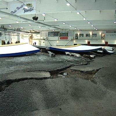 Seitsemän metriä paksu ikirouta aiheutti suuria ongelmia Myllypuron jäähallin rakenteisiin.