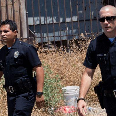"""""""Poliisit"""" on rikosdraama, joka kertoo kahden poliisin pitkäaikaisesta ystävyydestä ja työsuhteesta."""