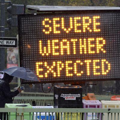 Valotaulu Washingtonissa joka varoitti Sandy myrskystä 29 lokakuuta.