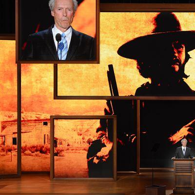 Clint Eastwood puhumassa republikaanien puoluekokouksessa.