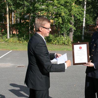 Tirilän VPK valittiin vuonna 2012 Vuoden Sopimuspalokunnaksi. Huomionosoituksen luovutti SSPL:n puheenjohtaja, kansanedustaja Antti Rantakangas.