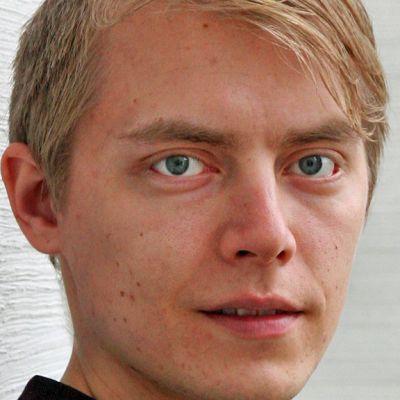 Eero Ojala voitti Kajaanin Runoviikon 2012 Veikko Sinisalo -kilpailun ja Vuoden Nuori Lausuja.