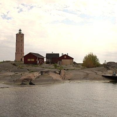Söderskärin majakkasaari Porvoon ulkosaaristossa.